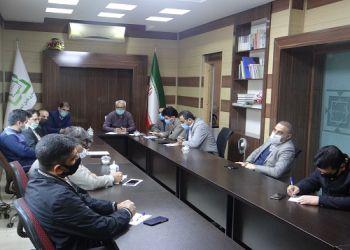 برگزاری جلسه شورای اداری با مسئولین دوائر در محل شهرداری
